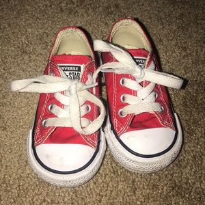Toddler 4C converse sneakers